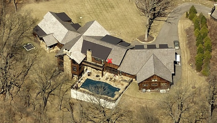 James MacDonald's million-dollar house in Elgin, IL.