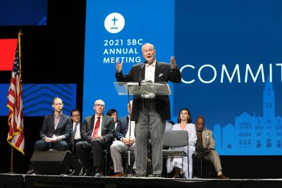James Merritt addresses the Southern Baptist Convention annual meeting